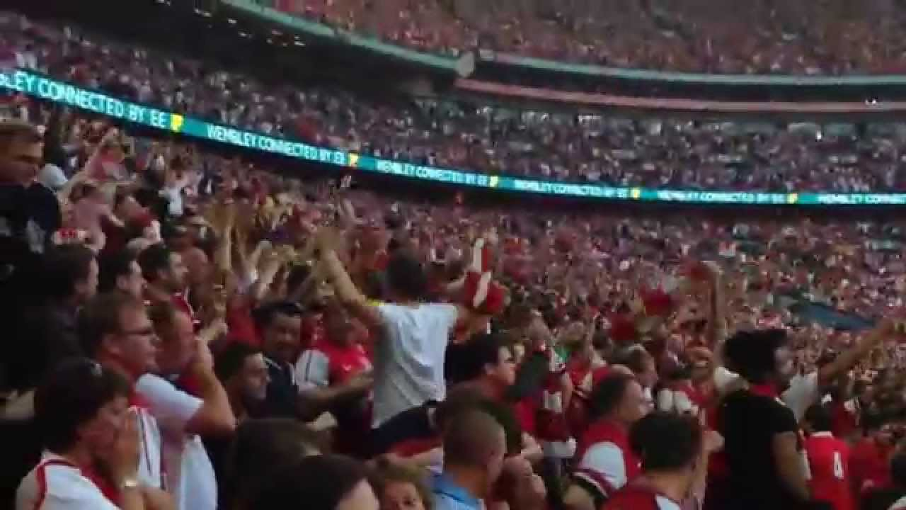 FA Cup: Arsenal Fans Go Crazy After 3rd Goal by Aaron Ramsey