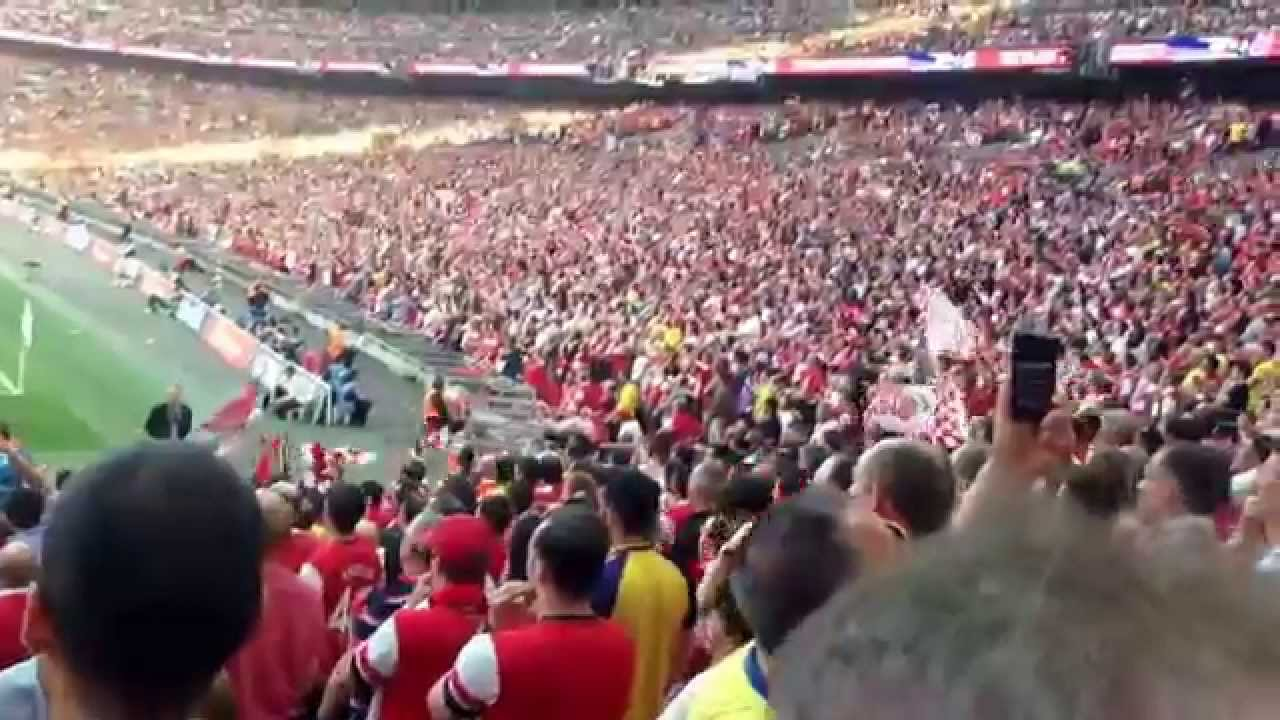 FA Cup Final Arsenal 3 Hull 2 -Fans loving it in the stadium